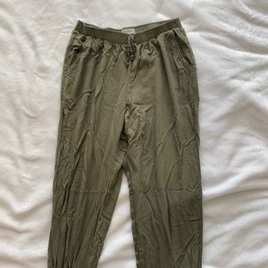 Abercrombie & Fitch Green Cargo Pants M